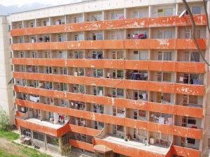 Скъсан кандидат-студент приет на общежитие?